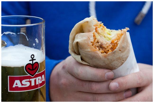 Astra Alsterwasser Burrito mit Pulled Pork