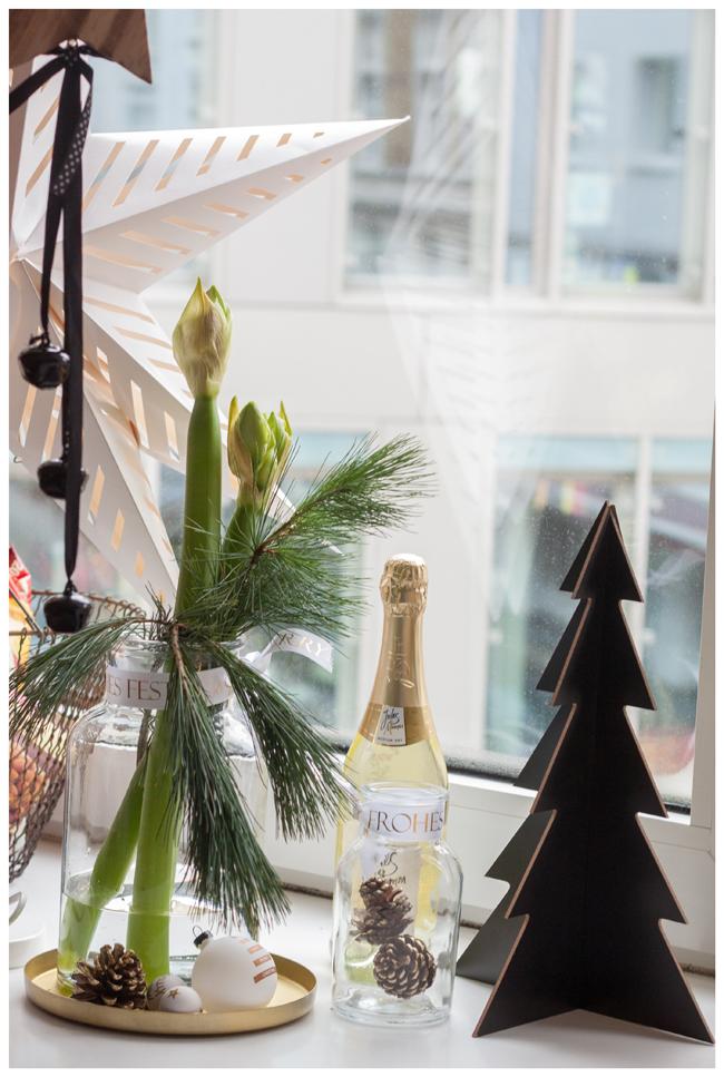 Weihnachtszeit ist dekozeit blumige weihnachtsdeko - Weihnachtsdeko fensterbank ...