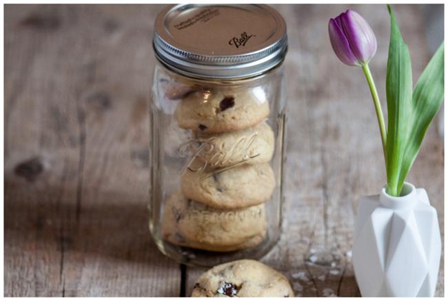 Cookie-in-mason-ball-jar
