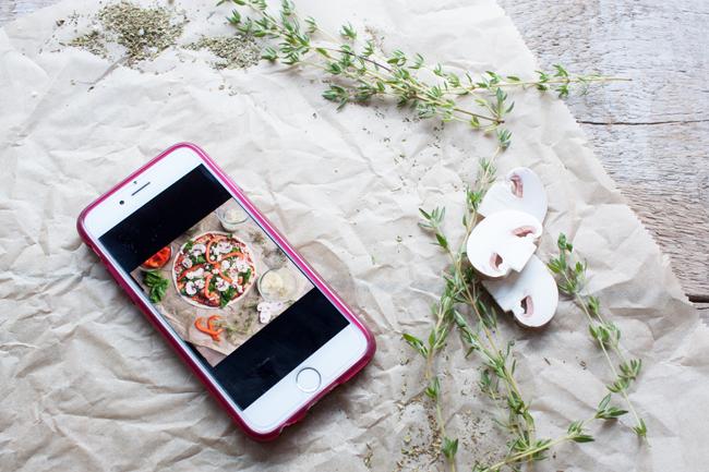 Foto auf Handy-Blitzpizza