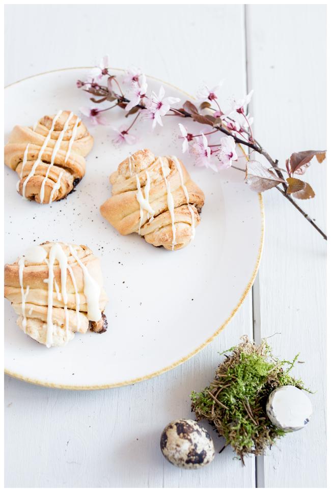 Ostern-Eierlikoerfranzbroetchen