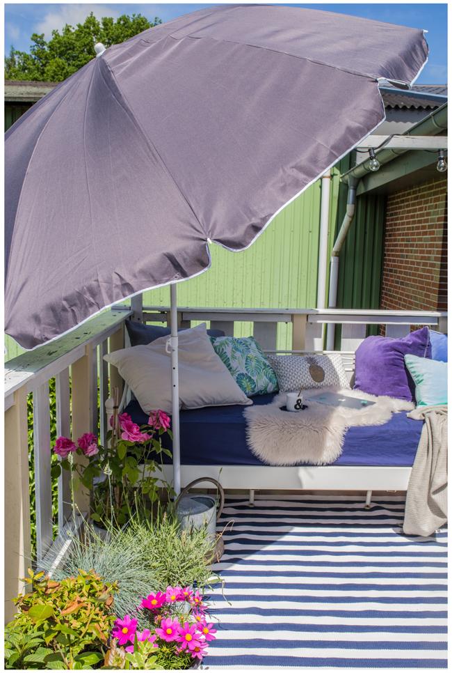 mein balkon wenn sich der balkon pl tzlich in ein. Black Bedroom Furniture Sets. Home Design Ideas