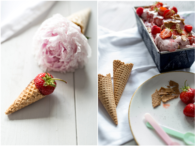 Pfingstrose als Dekoration in Eiswaffel zu Homemade Erdbeereis
