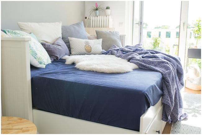 Ikea Hemnes Tagesbett in blauweiß