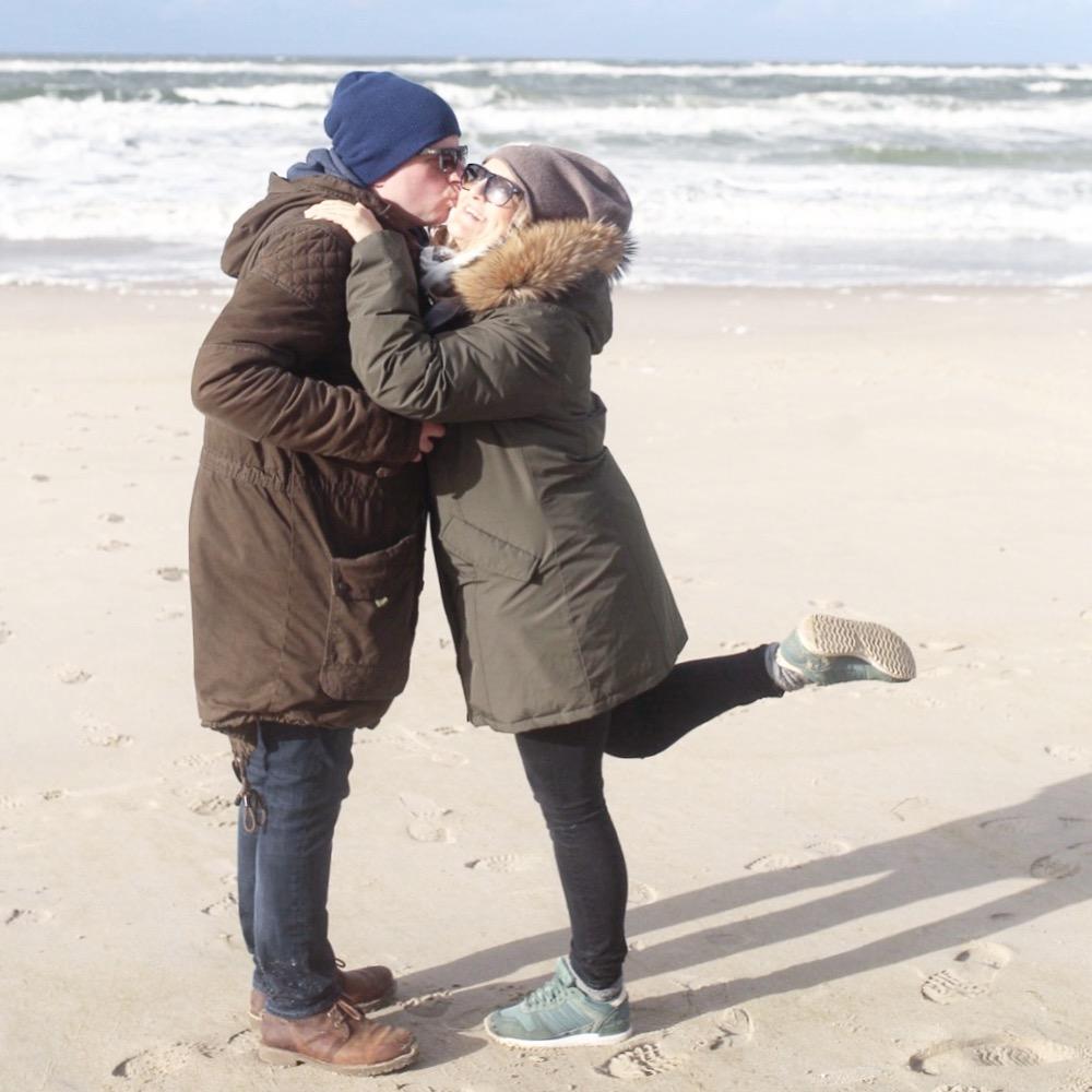 happy hafenmaedchen mit ihrem Liebsten in Dänemark