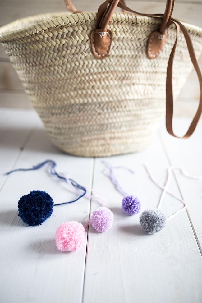 DIY - Korbtasche mit PomPoms