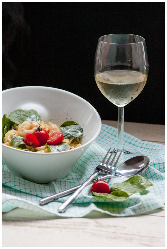 Hauptgericht-Scampi-an-Weißweinsauce-mit-Balttspinat_1_bearbeitet-klein