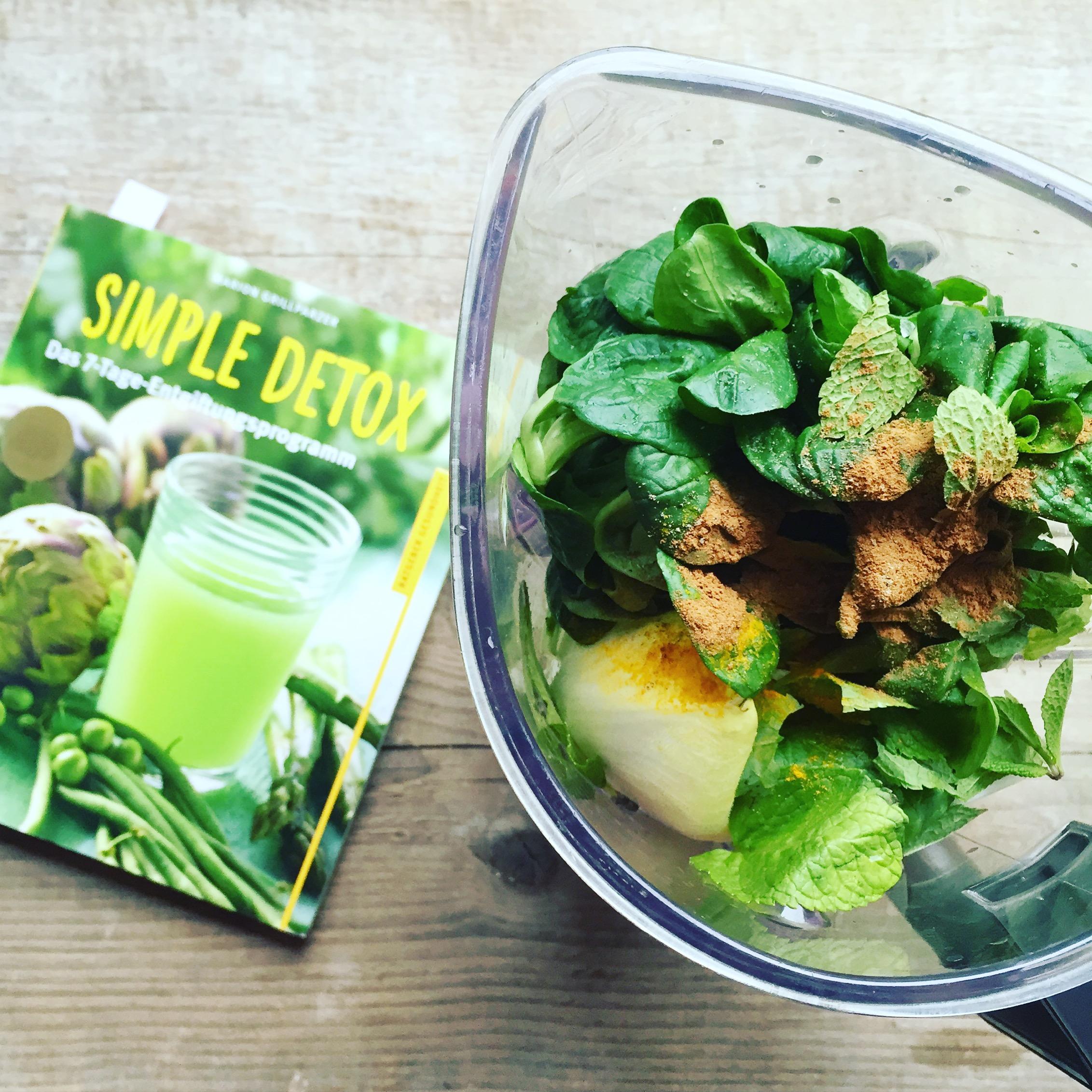 Greenie und Buch Simple Detox