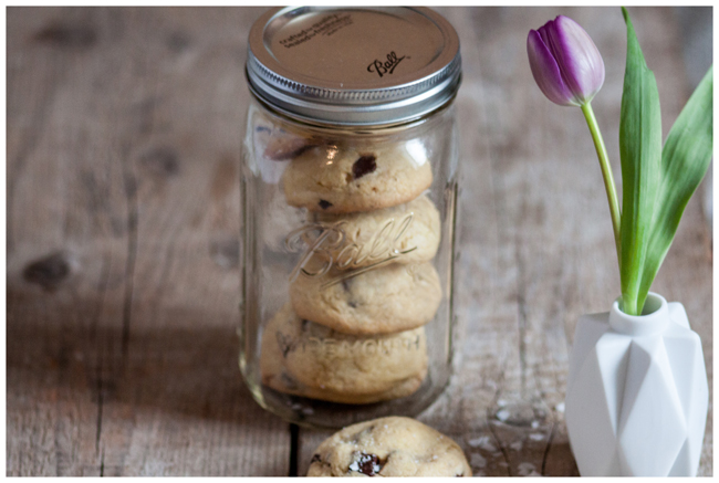 Cookie-in-mason-ball-jar