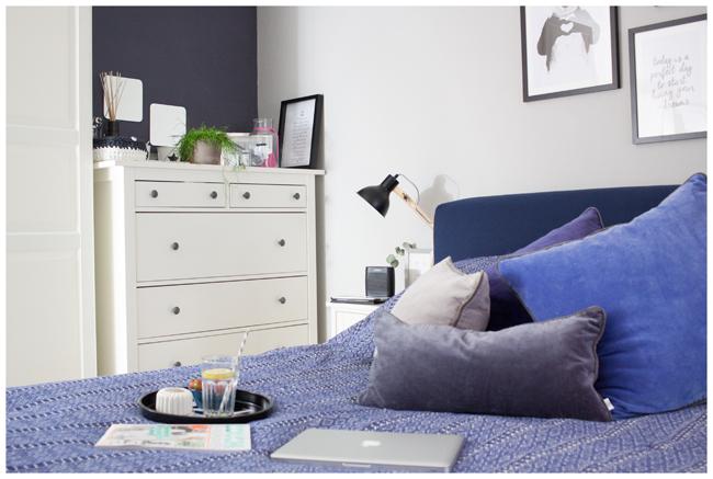 Ikea-Boxspringbett-Komode
