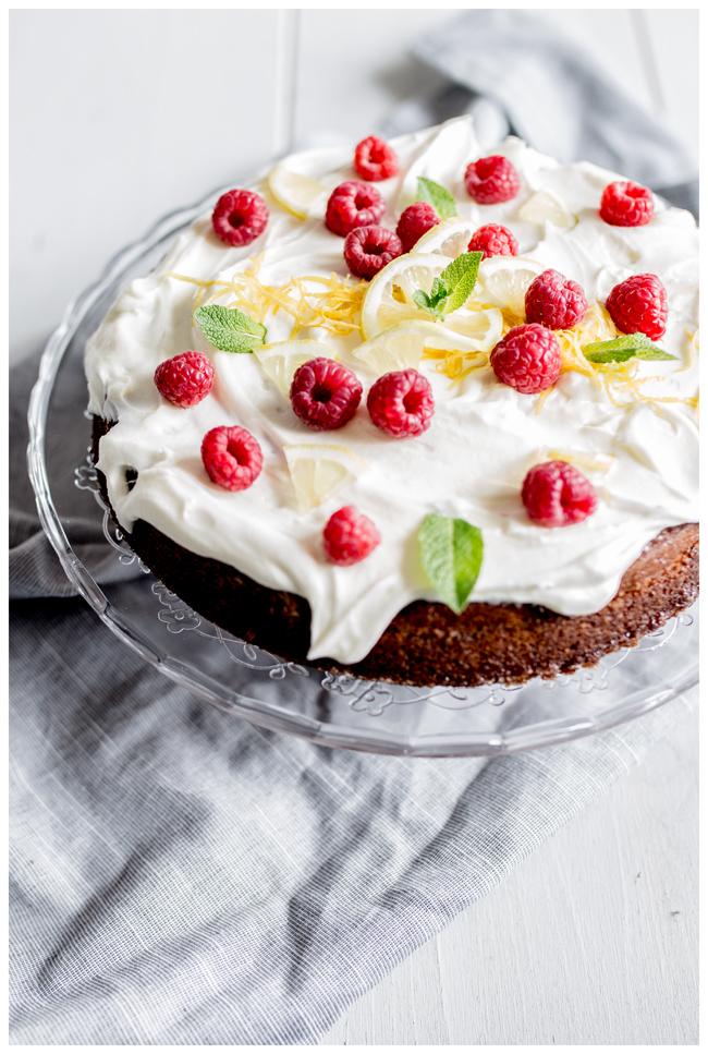 Zitronenkuchen-Holundercreme