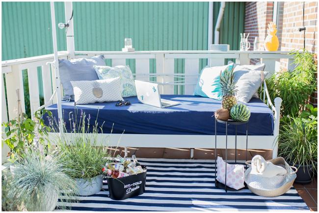 Chillout Area auf dem Balkon - Outdoorbett