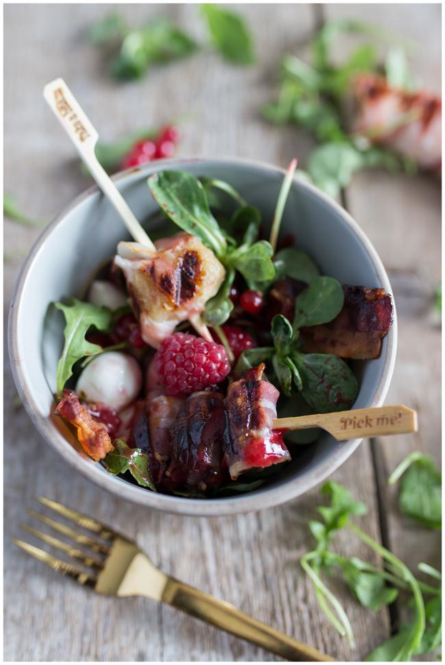 Tutti Frutti Salatbowl Bacon Banane Datteln in Speck