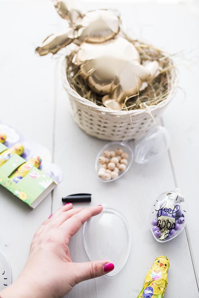 DIY Osterkörbchen aus Acryleiern