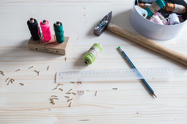 DIY Materialien für eine Pinnwand für Fotostreifen