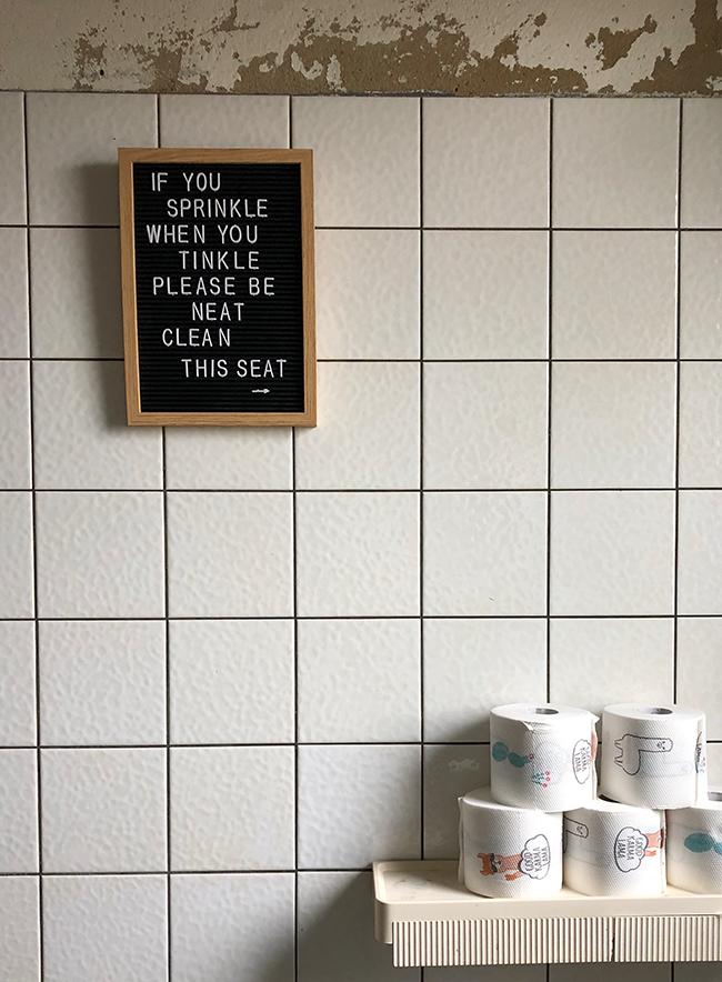 Toilettendekoration Letterboard - Lamaklopapier