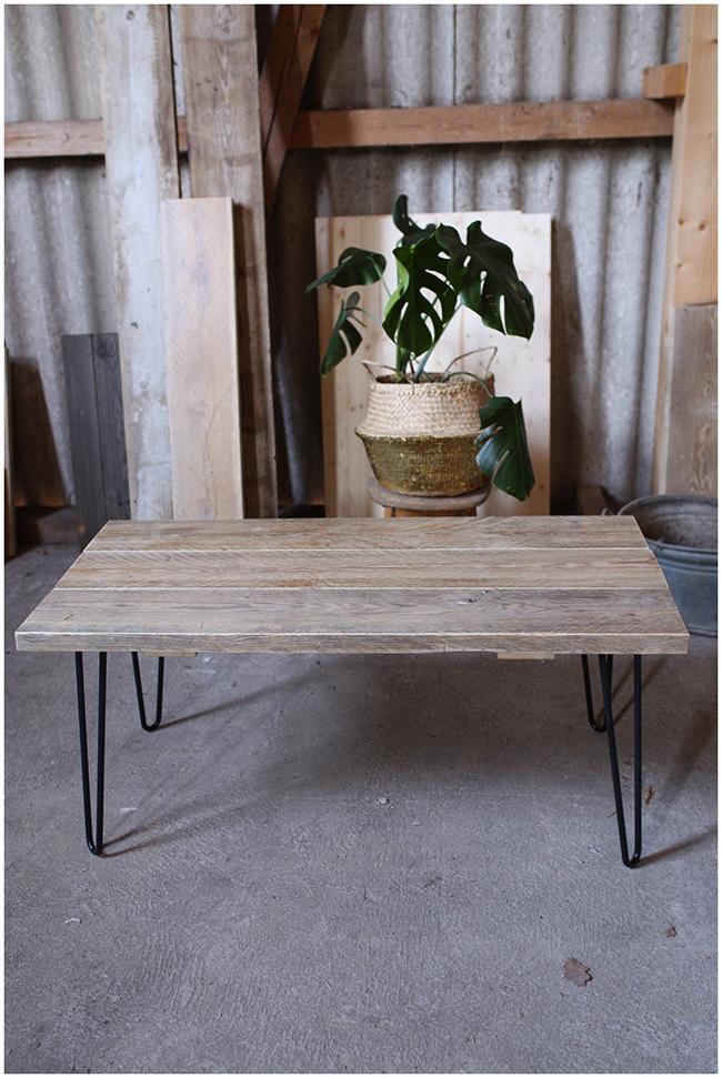 DIY Couchttisch aus Gerüstbohlen - der fertige Tisch