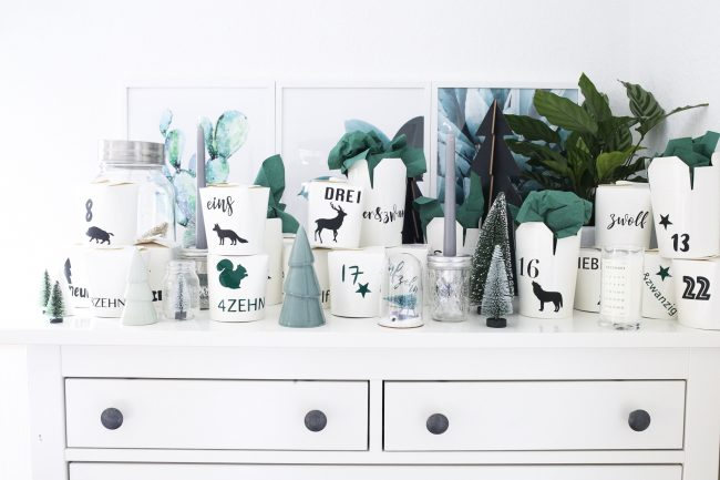 DIY Adventskalender Waldtiere erstellt mit dem Plotter ind Asiaboxen verpackt