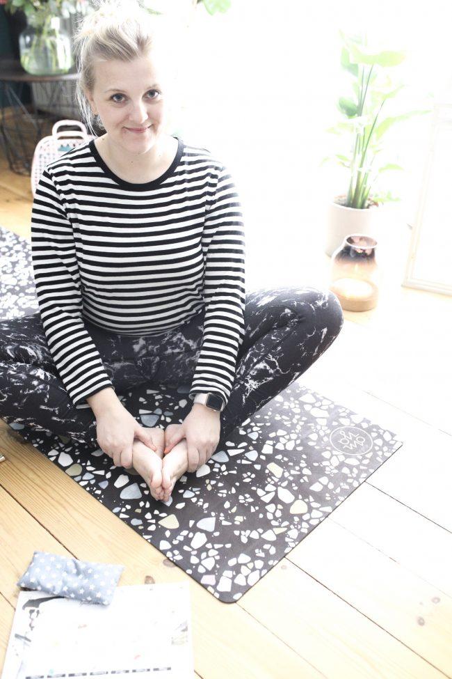 Yoga für Anfänger - Im Mustermix mit der Yogamatte