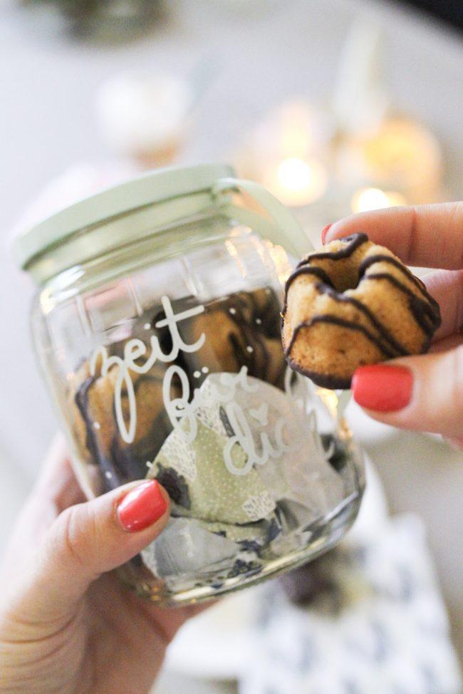 Kuchen im Glas verschenken - Lettering auf Glas